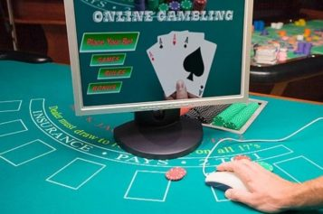 Can You Earn A Living By Playing Online Poker Games In Indonesia?