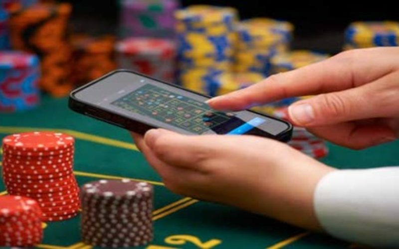 4 Major Advantages Of Playing Situs Poker Online!